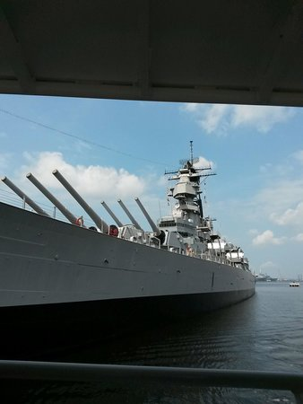 Victory Rover Naval Base Cruises : The incredible USS Wisconsin.