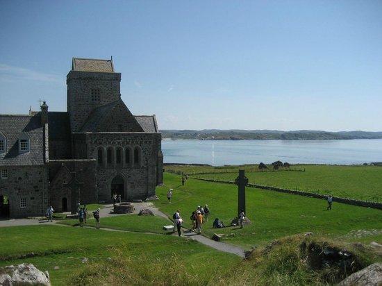 West Coast Tours - Oban: Iona Abbey