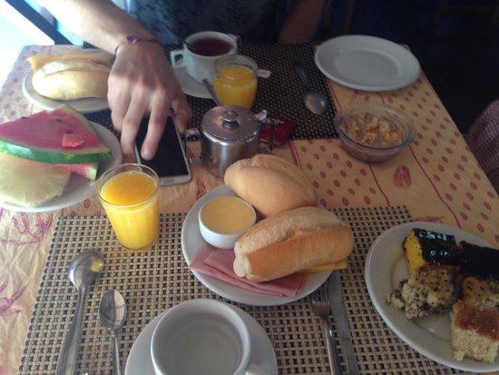 Pousada La Cigale: Desayuno!