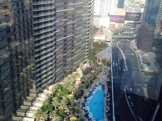 Vdara Hotel & Spa: The Cosmopolitan View Hotel