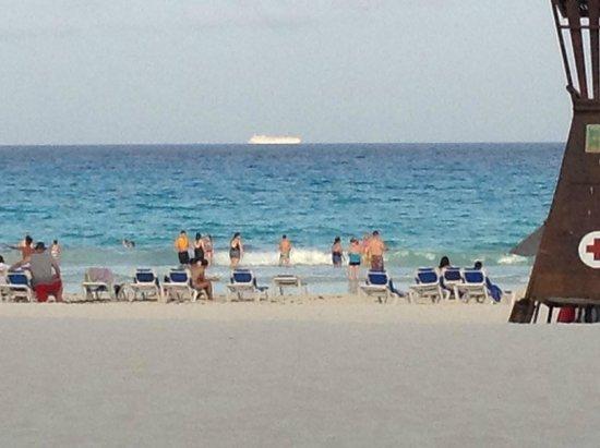 Panama Jack Resorts - Gran Caribe Cancun: Beach