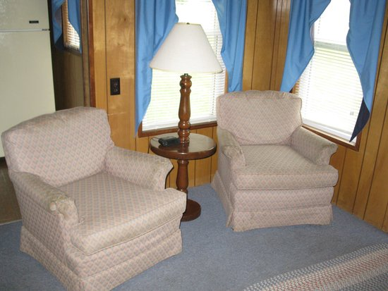 Twin Mountain Motor Court & RV Park : cottage 13