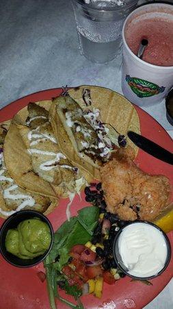 Marlin Monroe's Surfside Grill: Fish tacos