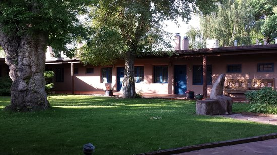 The Historic Taos Inn: courtyard in the morning