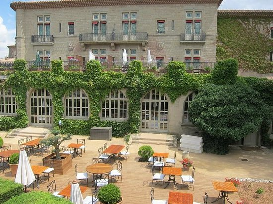 Hotel de la Cite Carcassonne - MGallery Collection: Restaurant and the terrace