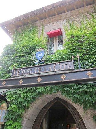 Hotel de la Cite Carcassonne - MGallery Collection : Entrance