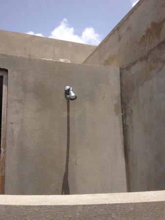 Hix Island House : Outdoor shower Rectangular 5