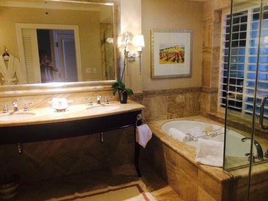 Monarch Beach Resort: Bathroom