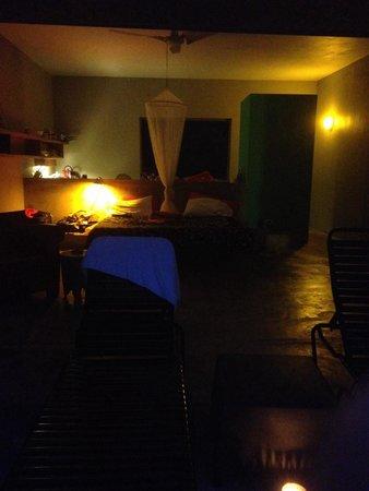 Hix Island House: At night Rectangular 5