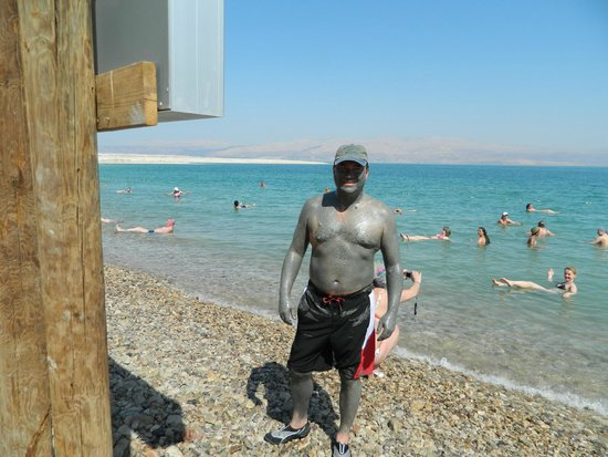 Mineral Beach, Dead Sea : Me covered in mud!