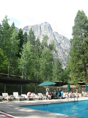 Yosemite Valley Lodge : view of  Glacier Point from the pool