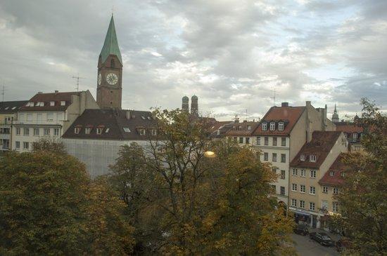 Motel One München - Sendlinger Tor: View from room