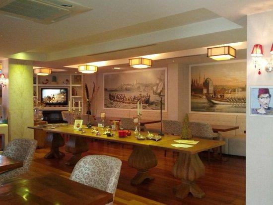 Hotel Amira Istanbul : The breakfast room
