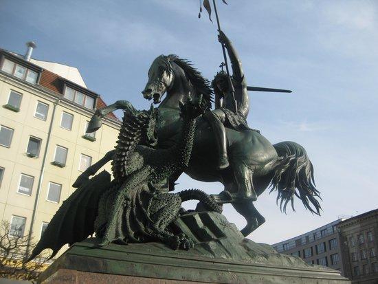 Nicholas Quarter: George & the Dragon