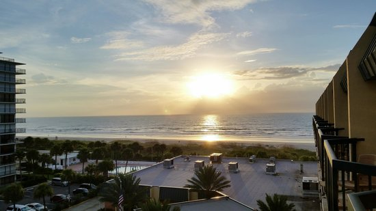 DoubleTree by Hilton Hotel Cocoa Beach Oceanfront: What an amazing view!