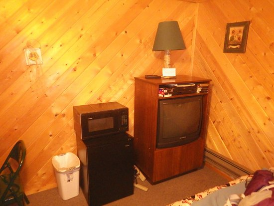 Stanton Creek Lodge : One double and one twin bed cabin