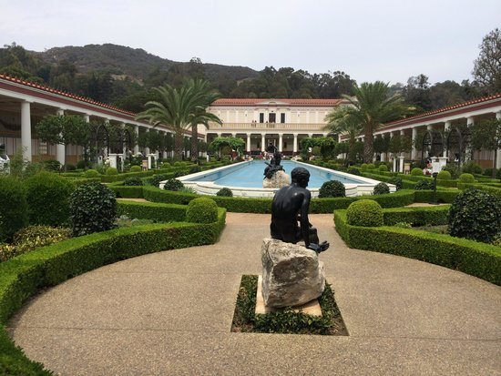 The Getty Villa : Looking at the Villa from its grounds