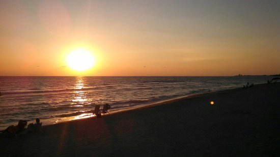 Turtle Beach: Sunset