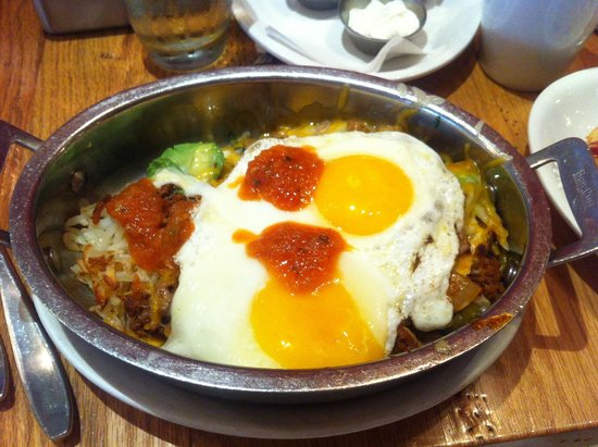 Wildberry Pancakes and Cafe : Mexican Skillet with Sunnyside up eggs
