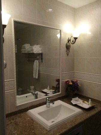 Napa Valley Hotel & Suites, a 3 Palms Boutique Hotel and Resort: Suite