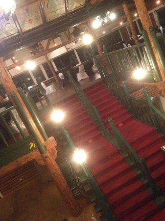 Manoir Alpine : Escalier Nuptial