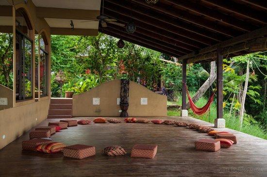 Anamaya Resort & Retreat Center : Opening circle