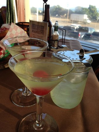 F. McLintocks Saloon & Dining House : Appletinis.....perfect!