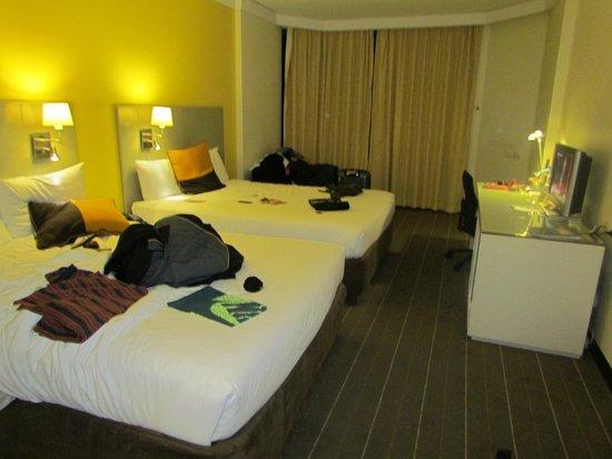 Novotel Sydney Central: superior room