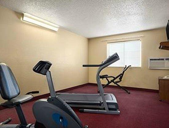 Howard Johnson Inn Fort Wayne - Coliseum : Fitness Center