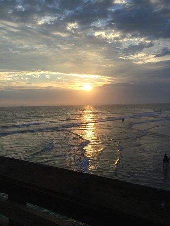 Newport Beach Hotel : Beautiful sunsets!