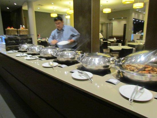 Novotel Sydney Central: breakfast area