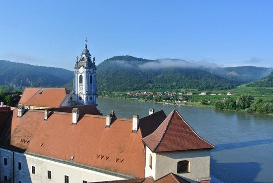 Hotel Schloss Dürnstein: View from Room Danube