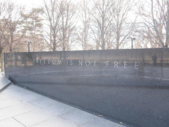 Monumento a los veteranos de la Guerra de Korea: まさしく。何事もほどほどがいいのかもしれない。