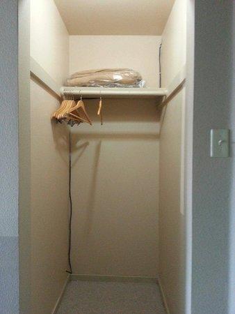 The Trailhead: No luggage rack?