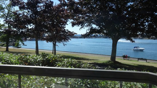 Inn at Laurel Point: The view from the other window in my room.