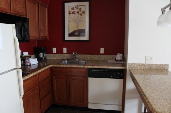 Residence Inn Kansas City Overland Park: We Had A Full Kitchen Plus Free Buffets At Night and Morning