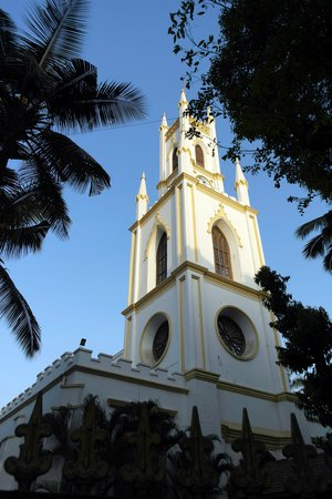 St. Thomas Cathedral Mumbai: 성당 외부 전경