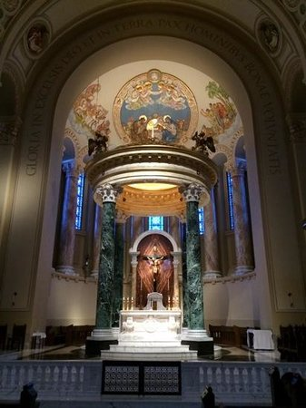 St. Joseph Cathedral: Beautiful altar and nativity painting