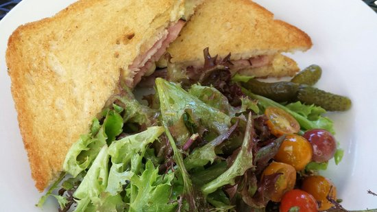 Alchemy Bistro and Wine Bar: Croque monsieur...as a ham and cheese
