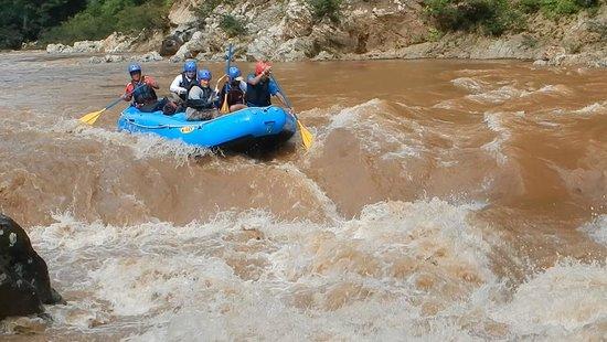 Adventures Panama: Rafting el Chagres