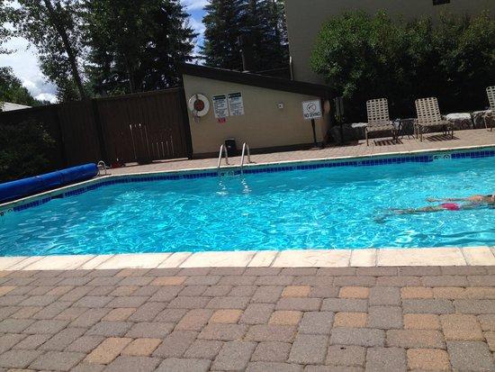 Vail International Condominiums: Pool