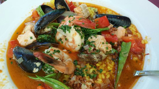 Alchemy Bistro and Wine Bar: Paella at lunch