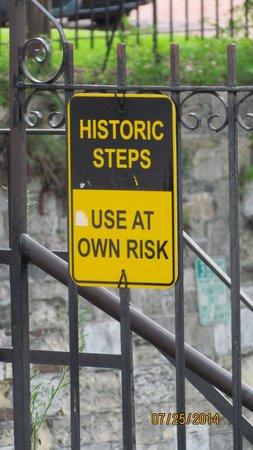 River Street Savannah: Stairs are very steep