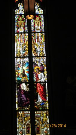 Cathédrale Saint-Jean-Baptiste : One of the vibrantly colored stained glass windows