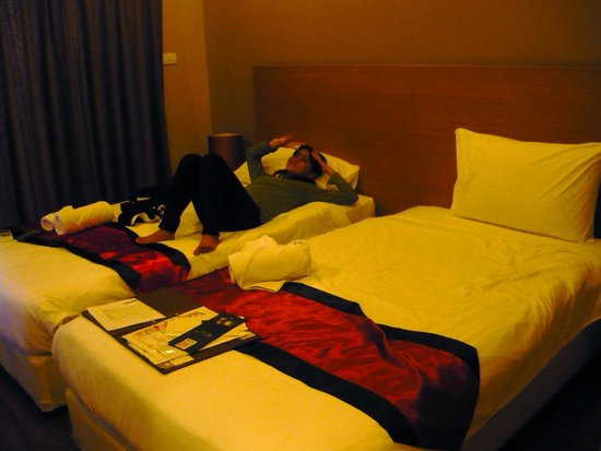 The Cottage Suvarnabhumi: My kids shared a room w/ 2 single beds