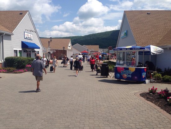 Woodbury Common Premium Outlets : 6-8-14