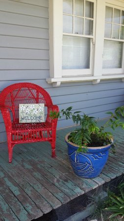 Angoby's of Kyneton: The red chair