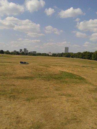 Hyde Park : Le calme dans la ville . Superbe