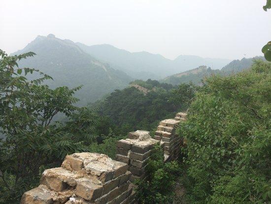 """Gran Muralla China en Mutianyu: The """"wild"""" side of Mutianyu"""