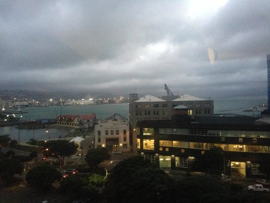 Amora Hotel Wellington: Bit of a wet gloomy day.